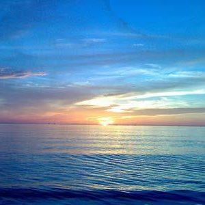 Viết đoạn văn ngắn tả cảnh biển buổi sáng