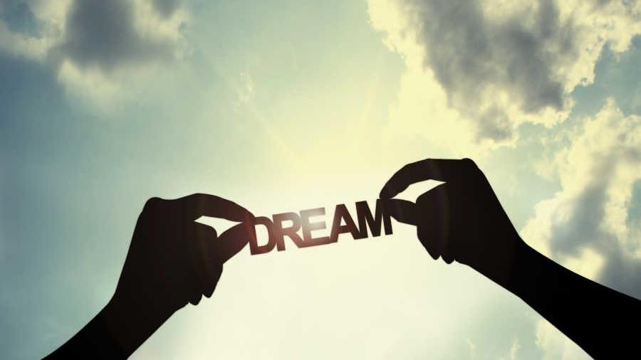 unnamed file 43 - Nghị luận xã hội về ước mơ và tham vọng của con người