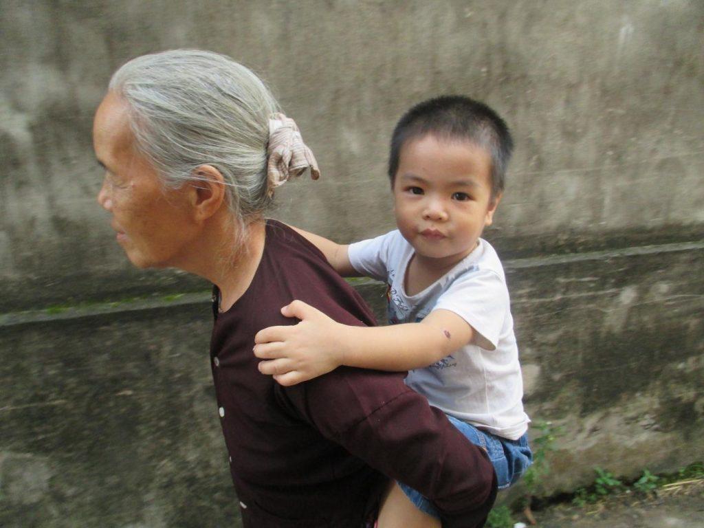 unnamed file 7 - Kể về ông bà và những kỉ niệm thời thơ ấu (kể về bà nội )